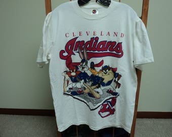 Vintage 90s Cleveland Indians Looney Tunes T-Shirt(XL).Starter Tag
