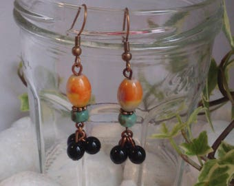 Bohemian earrings with three black pearls