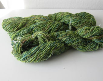 Mountain sheep wool hand dyed and hand spun