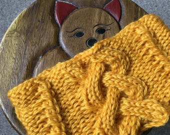 Knitting Pattern - cable neck warmer / ear warmer. Straight needle