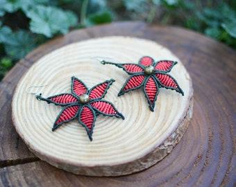 handmade earrings,macrame jewelry,macrame earrings,red earrings,flower earrings,boho earrings,flower design,bohemian jewelry,red flowers
