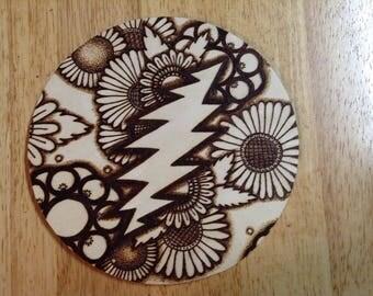 13 point lightning bolt trivet plate