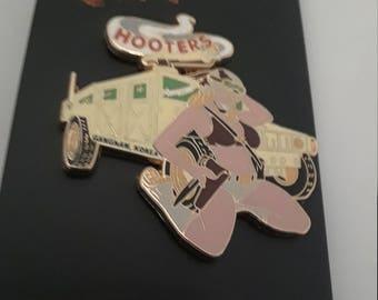 Hooters Hummer Pin