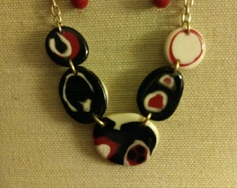Red,Black and White necklace set