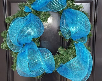 Blue accent wreath