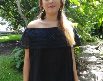 Peasant model blouse in black color