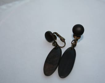 Interesting Vintage Brown Wood Look Clip-On Dangle Earrings 2in