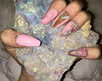 Pink Nails / Glitter Nails / Marble Nails / Holographic Nails / Press On Nails / False Nails / Glue On Nails / I.M. Beauty / Belleza