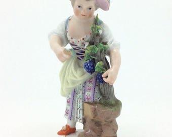 "Antique Meissen Porcelain Figure Gardener Girl with Grapes c1880 10cm 4"""