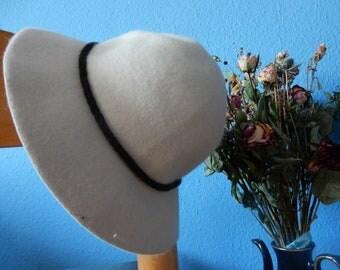 Cloche Hat - 70's