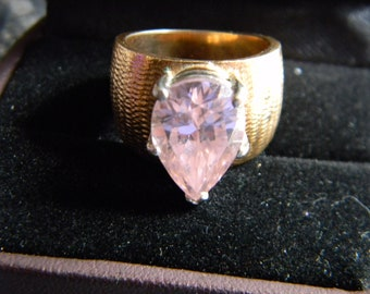 Gold Ring with Pink Cubic Zirconia
