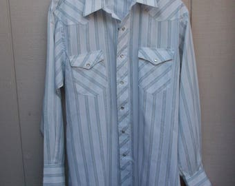 Vintage 1970s Wrangler Western Pearl Snap Shirt / Men's Blue Yellow Stripe Shirt / X-Long Tails 16 1/2 x 34
