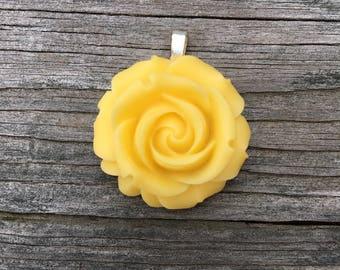 Resin Flower Pendant - Yellow