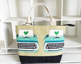 Zipper closured mini tote bag -typewritter