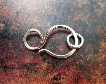 Hammered Bright Sterling Silver Clasp with Open Jump Ring - 1 clasp - 22mm