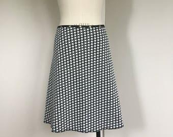 Snap skirt, black and white skirt, houndstooth skirt, work skirt, business skirt, adjustable skirt, Erin MacLeod,