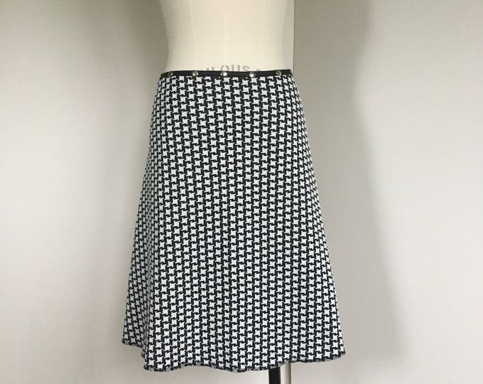 Skirt Winter Petal, snap skirt, black and white skirt, houndstooth skirt, work skirt, business skirt, adjustable skirt, Erin MacLeod,
