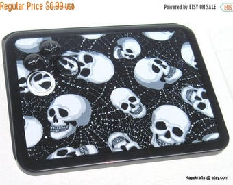 Eclipse Sale Talking Heads Skulls Magnetic Board, Heads Magnet Board, Halloween Magnet Bulletin Board, Halloween Decor