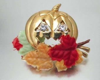 Vintage Rhinestone Pumpkin Fall Halloween Pin Brooch Velvet Leaves
