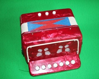 VINTAGE childs / toy ACCORDION
