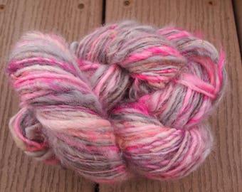 PINK DUST Handspun Yarn Wool Border Leicester Fleecespun 114yds 8wpi knitting aspenmoonarts art yarn