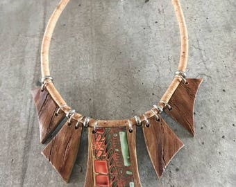 crew necklace / color and wood