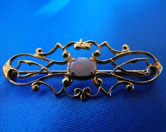 Vintage Brooch, Opal, Yellow Gold Plated, Filigree Open Work, ca 1980s, NT-851
