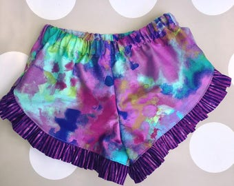 Purple tie-dyed ruffle shorts