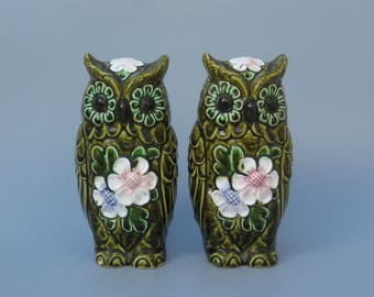 Ceramic Owl Salt & Pepper Shaker Set 1970s MOD Kitchen Decor Extra Large Green Owl Shakers 8 Inches Tall