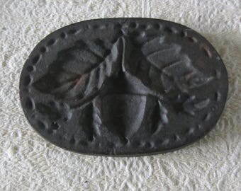 Vintage Antique 1800's Oval Heavy Cast Iron Cookie Mold Marzipan Mold Acorn w/Leaves Design