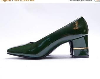 Summer Sale Vintage Forest Green Patent Leather Pumps //  Chunky Medium Heel //  7B size