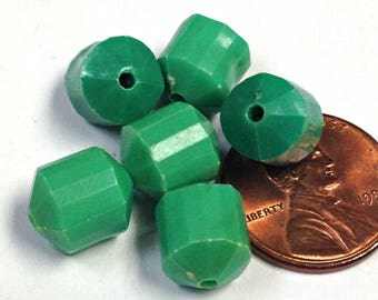 Vintage Lucite Bead Green Faceted Barrel 11x9mm pkg6 res58