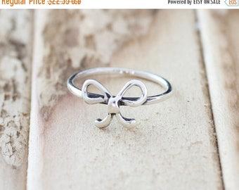 Memorial Day Sale Promise. Sterling Silver mini bowtie petite Midi Ring