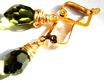 Green Gold Chandelier Earrings / Green Crystal Earrings / Green Gold Wedding Earrings / Gold Wire Wrap Earrings Olive Green Faceted Crystals
