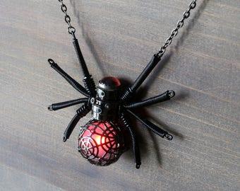 Steampunk gothic Jewelry - Necklace - Glowing Steampunk goth Spider pendant - Black Metal