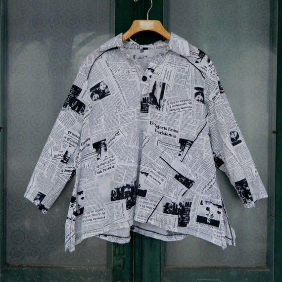 Artsy Newsprint 3/4 Sleeve Pullover Tunic with Pocket -L/XL- Black and White Global Warming Newspaper Stories Cotton