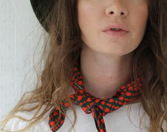 Vintage Green and Red Scarf With Red Stitching
