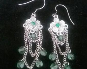 Earrings, Pierced Earrings, Vintage Earrings, Vintage Jewelry, Dangle Earrings, Drop Earrings, Green Earrings, Emerald Earrings Faux