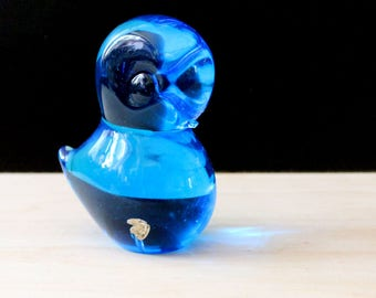 Vintage crystal glass bird figurine paperweight, made in Sweden. Bluebird of Happiness. FM Konstglas.