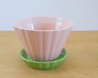 Vintage Shawnee Flower Pot • Pink and Green Flowerpot • Large Vintage Shawnee 535 Planter