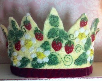 Strawberry Crown - Waldorf Crown - Birthday Crown - Festival Crown - Felt Crown - Hand felted Crown - Kindergarten Crown