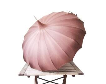Vintage Chocolate Pagoda Umbrella - 1950s Purple Brown Parasol - Lucite Curved Hook Handle Umbrella - Silk Tassel - Wedding Umbrella - Prop