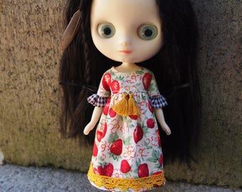 MIDDIE BLYTHE Ruffle Sleeve Dress - Berry