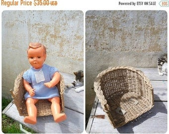 ON SALE Vintage 1900/1930 French baby bicycle seat made with straw