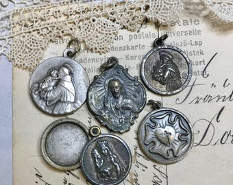 Vintage Religious Medals- Virgin Mary- Sainte Anne De Beaupre Pope Pendant- Religious Charm- Italy- Sacred Heart- Our Lady- A42