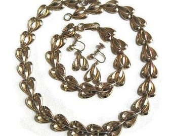 SALE Hearts Necklace, Bracelet & Earrings Set Vintage signed LUSTERN Gold Tone Stylistic