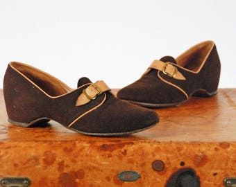 Vintage 1940s Shoes - Phenomenal Chocolate Brown and Caramel Two Toned Wedge Heel size 6 6.5