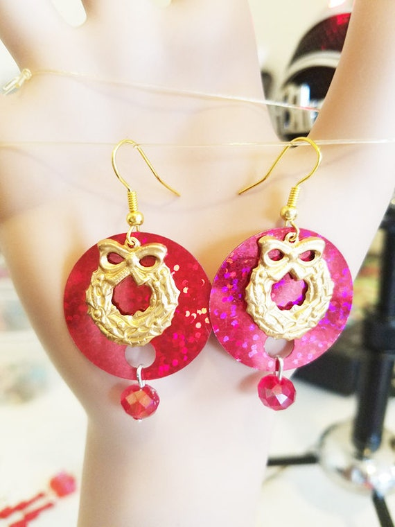 Christmas Wreath sequin earrings red and gold dangles bead drops  charms glass bead drop holiday jewelry