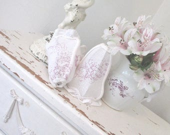 SALE * Vintage Lampshades * Lamp Shades * Cabbages and Roses * Shabby Chic * French Lilac * Cottage