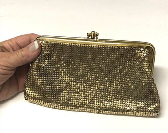 Vintage 60's Whiting & Davis Gold Mesh Clutch Coin Purse 7.5 x 4 Kiss Closure